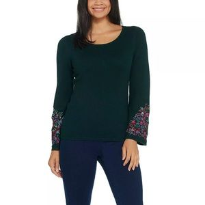 Linea Louis by Dell'Olio Embroidery Knit Sweater